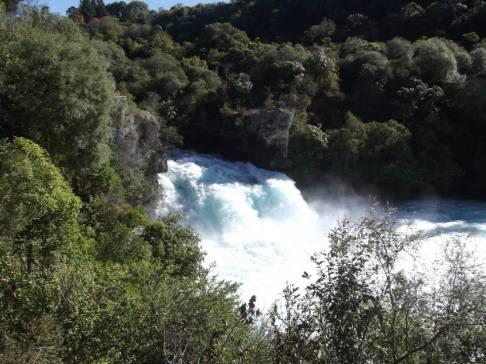 huka-falls-2