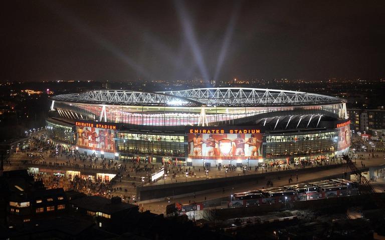 Emirates-Stadium at night traveldigg.jpg